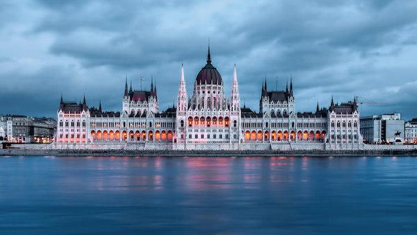 levné akční letenky Budapešť