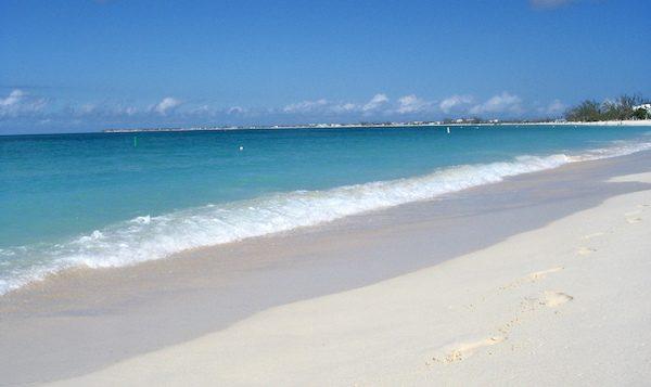 levné letenky Kajmanské ostrovy Karibik