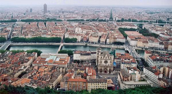 levné letenky Lyon