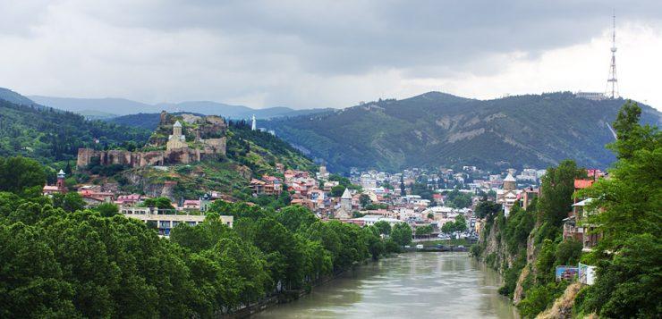 levné akční letenky Gruzie Tbilisi